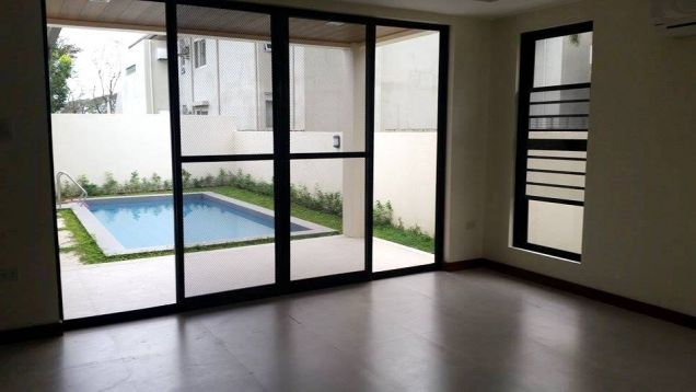 For Rent House and lot with swimming pool in Friendship - 70K - 4