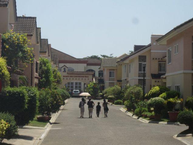 For Rent Beautiful 3 Bedrooms Villas in Basak Lapulapu City - 3