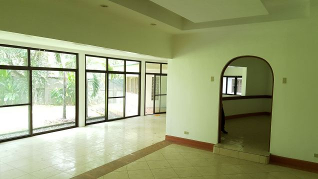 Spacious 4 Bedroom House for Rent in Cebu City Banilad - 6