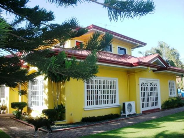2 Storey with Swimming Pool House and Lot for RENT in Mabalacat Pampanga - 0