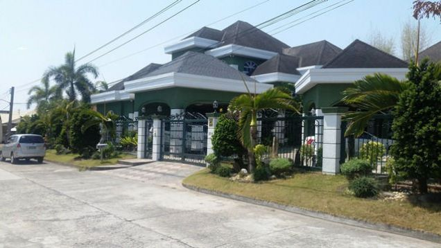 Fully Furnished! Huge House with 6 Bedrooms for rent in Friendship - 1