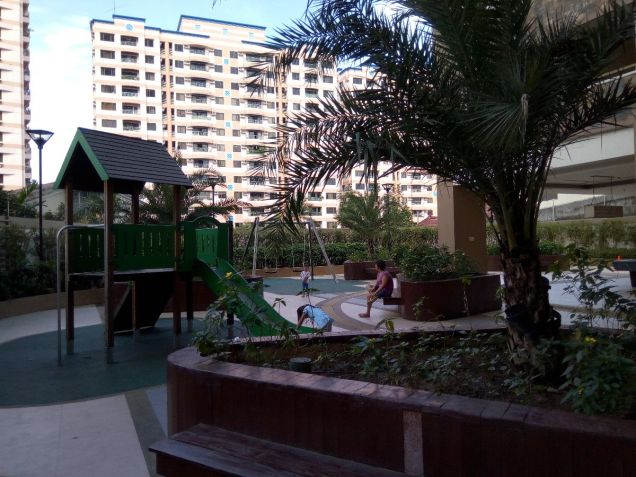 One Castilla Place in QC 2br near Greenhills,Ortigas Center, Robinsons Galleria - 3