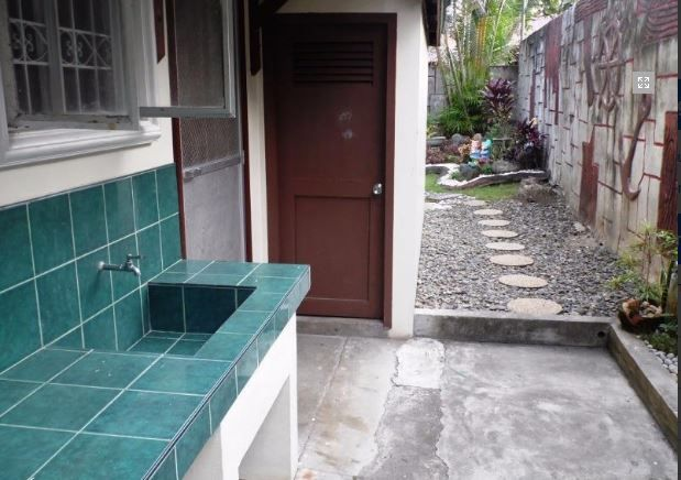 Bungalow House with Spacious yard for rent in Angeles City, Pampanga - 2