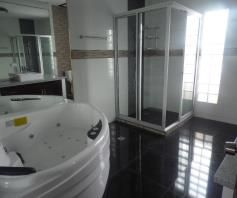 Modern House with Bathrooms in each Bedroom for rent - P65K - 9