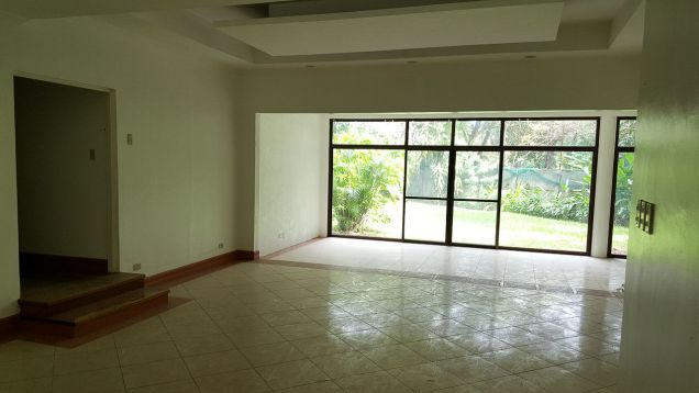 Spacious 4 Bedroom House for Rent in Cebu City Banilad - 7