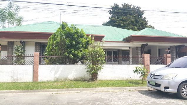 4 Bedroom Bungalow House for rent in Balibago - 35K - 2