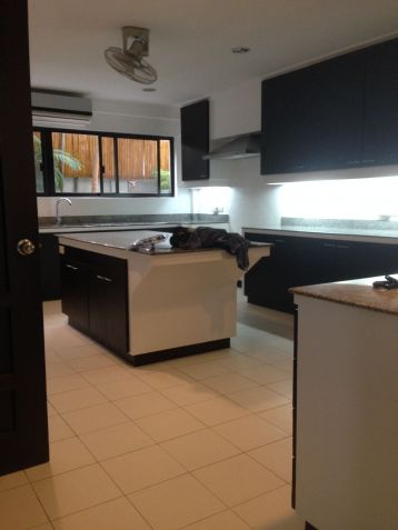 House and Lot, 4 Bedrooms for Rent in Dasmarinas, Makati, Eckhart Ang - 7