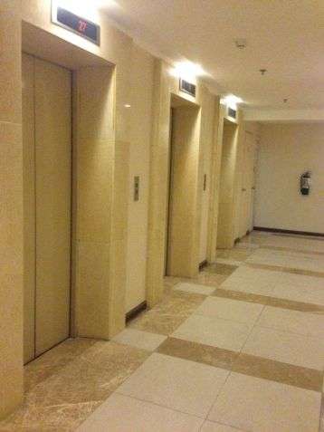 Furnished and Very affordable Studio condo unit near Boni Mrt Station and Cybergate. - 6