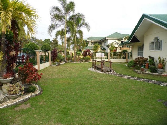 (3)Three Bedroom Furnished House and Lot For Rent - 2