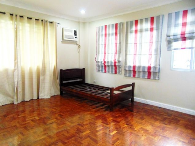 House for Rent in Banilad Cebu City 3-Bedrooms Furnished - 4