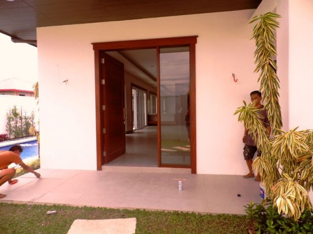 Bungalow House and Lot for Rent in Brgy. Amsic Hensonville Angeles City - 8