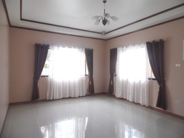 Spacious Bunglow House with 3 Bedrooms for rent - 50K - 0