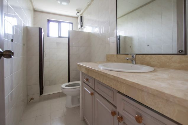 Unfurnished 4 Bedroom House for Rent in Maria Luisa Park - 8