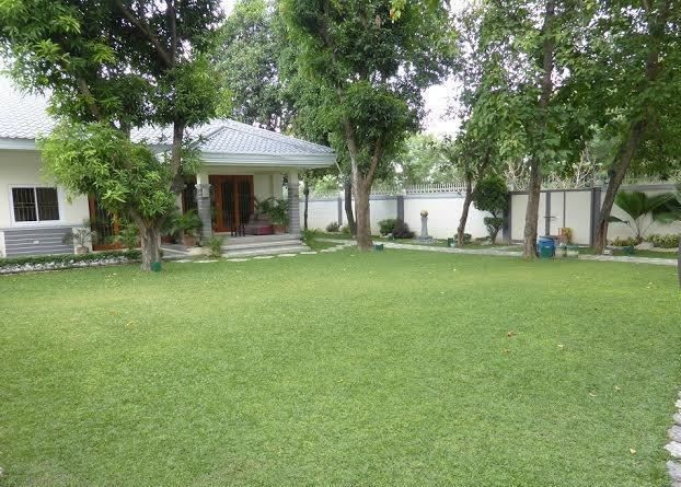 Bungalow House with Spacious yard for rent - 45K - 8