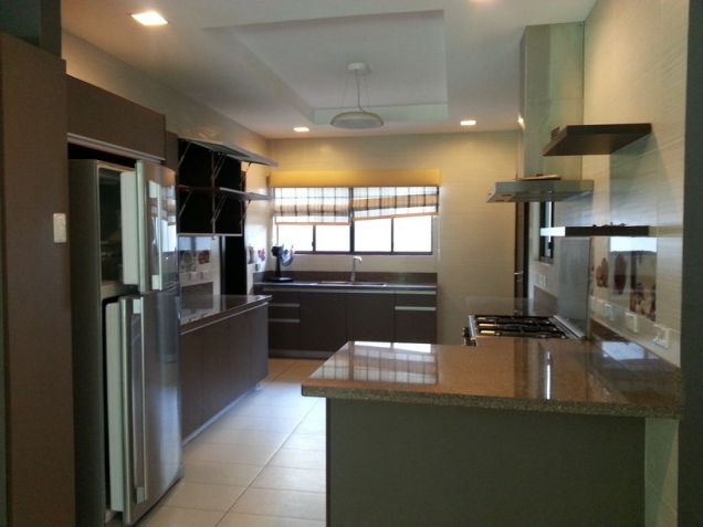 4 Bedroom Spacious House for Rent in Cebu City Banilad - 4