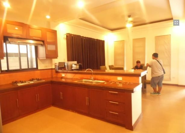 For Rent Fully Furnished House and lot with 4 Bedrooms - 6