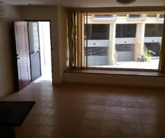 2 Bedroom Town House for rent - Walking Distance to Fields Avenue - 3