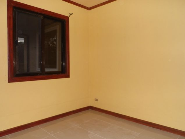 Bungalow House with 3 Bedroom For Rent near SM Clark -38K - 2