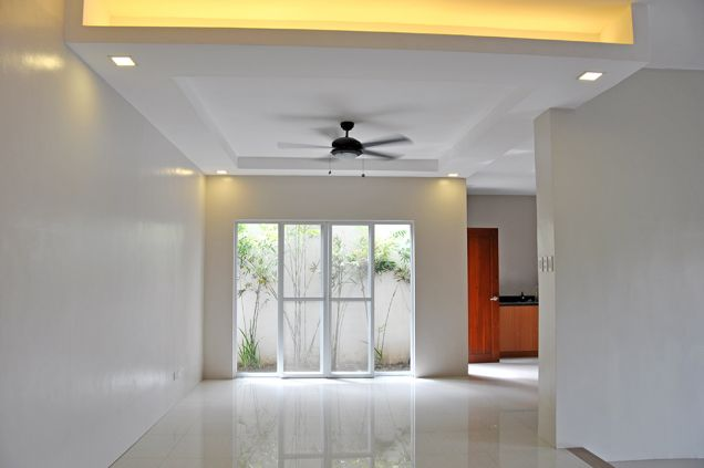Banilad 4 Bedrooms Bungalow House in Exclusive Subdivision unfurnished, P100K - 9