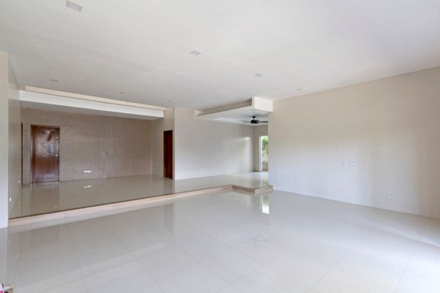 Brand New 4 Bedroom House for Rent in Banilad - 3