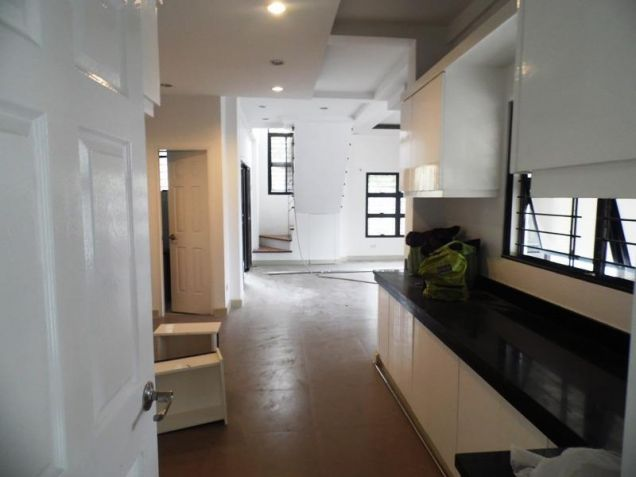 Unfurnished 4 Bedroom For Rent in Angeles City - 8