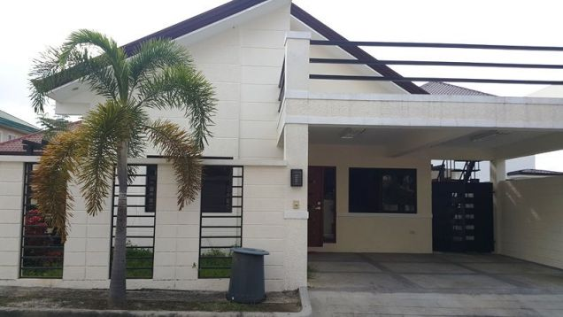 3 bedrooms for rent near SM Clark - P 35K - 0