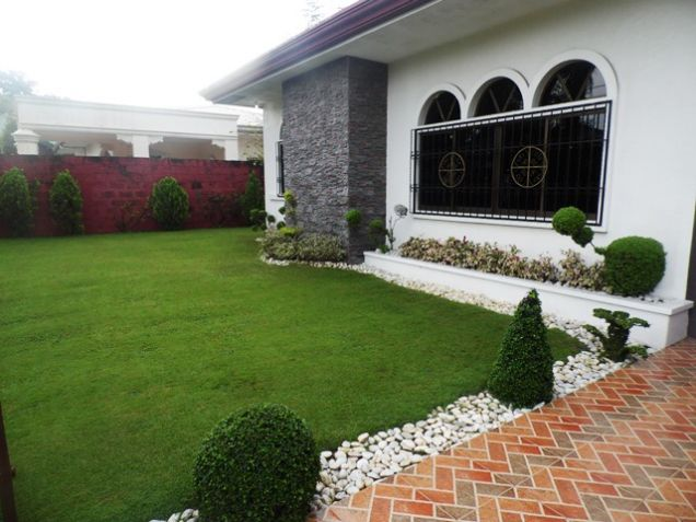 Fully Furnished Bungalow House FOR RENT near SM Clark - @40K - 0