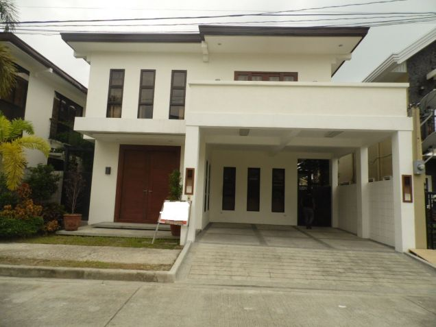 Fully Furnished House and lot with 4 Bedrooms for rent - P70K - 2