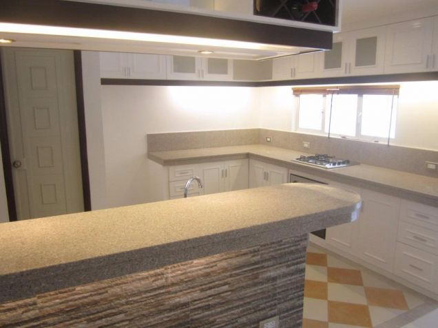 Luxury 4 Bedroom Town House For Rent In Friendship Angeles City Near CLARK - 9