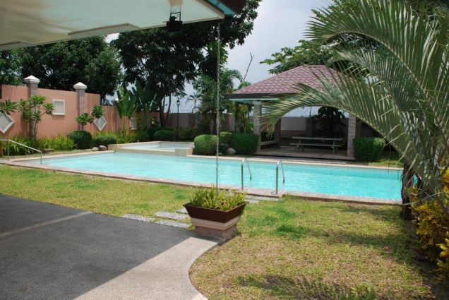 Furnished townhouse with 3BR for rent in Angeles City - 49.5k - 4