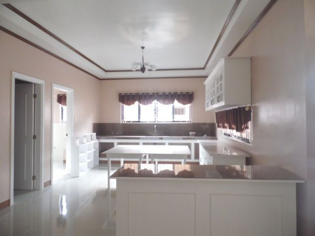 Spacious Bunglow House with 3 Bedrooms for rent - 50K - 8