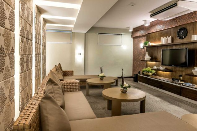 2 bedroom condo for sale near Makati Taguig Alabang ready for occupancy condo DMCI Palm Grove Raya Gardens - 1
