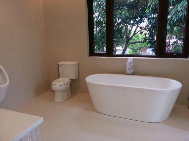 Modern Mediterranean Ayala Alabang House For Rent - 7
