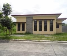 Bungalow House with 3 Bedroom for Rent in Friendship – P25K - 0
