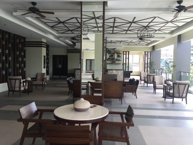 Cheap 1 bedroom Resort type Condominium near LRT SM North Nlex - 9