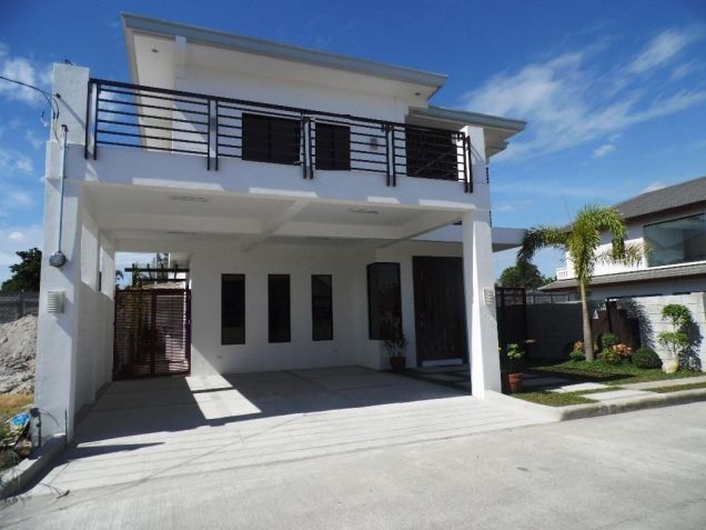 4Bedroom House & Lot For Rent In Hensonville Angeles City... - 1