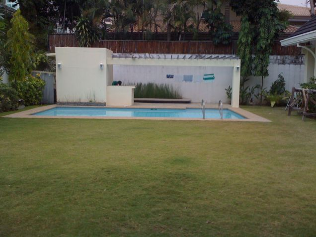 4 Bedroom House for Rent in Urdaneta Village, Makati City - 6