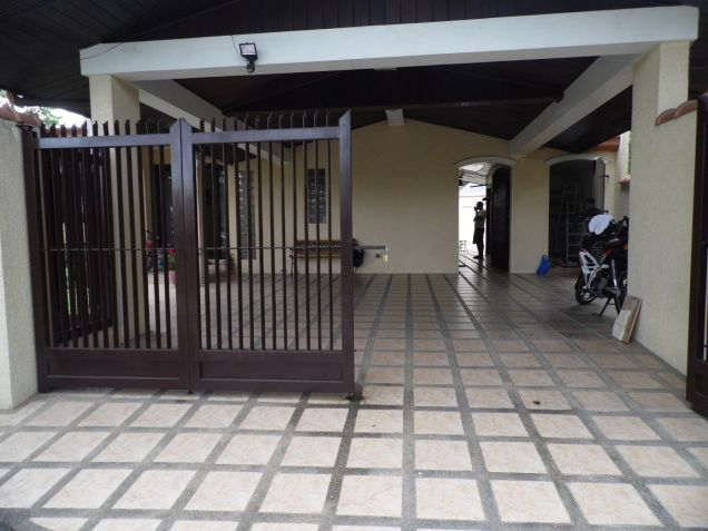 Spacious Bungalow House with swimming pool for rent - P75K - 1