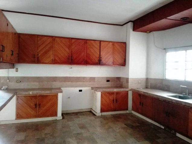 4BR Bungalow house and lot for rent in Friendship - 35K - 6