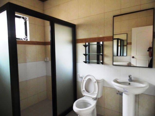 Furnished Bungalow House & Lot for rent Along Friendship Highway in Angeles City near Clark - 9