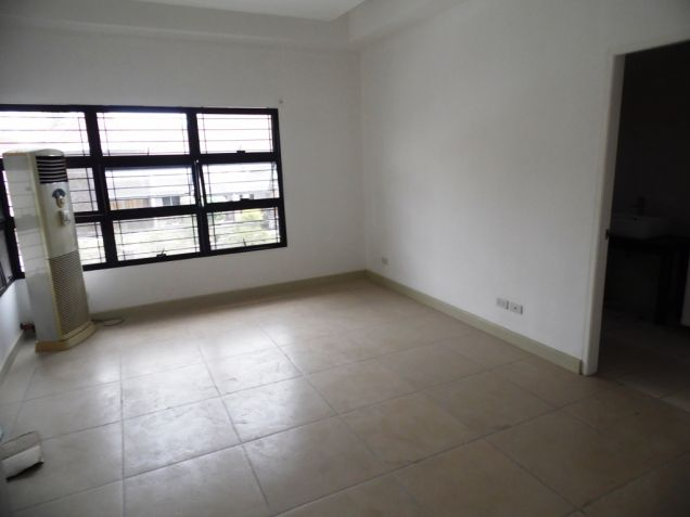 4Bedroom 2-Storey House & Lot For Rent In Angeles City Near Clark Free Port Zone - 2