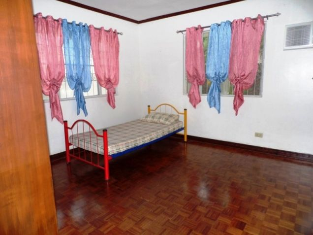 Bungalow House w/ Spacious yard for rent in Angeles City, Pampanga @P50K - 1