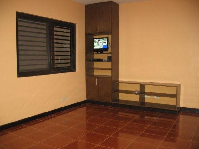 Big House for rent in Banilad, Cebu City 4 Bedrooms unfurnished - 3