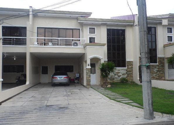 Town House with 4 Bedrooms inside a Secured Subdivision for rent @ 35k - 0