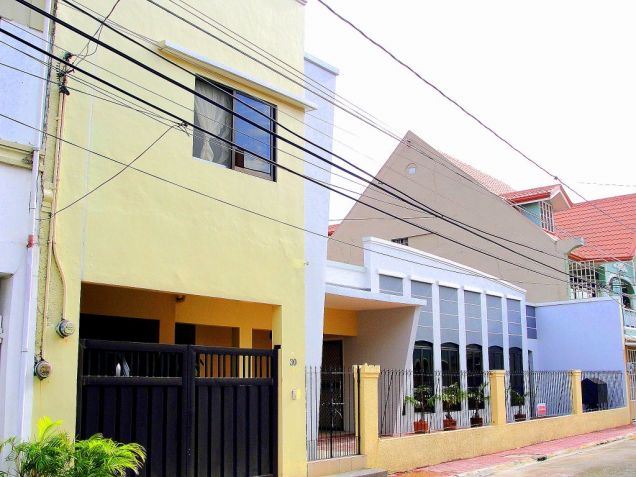 VAA Homes Las Pinas near Perpetual 3-bedroom bungalow for rent - 0