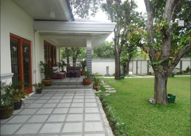 Bungalow House with Spacious yard for rent - 45K - 5