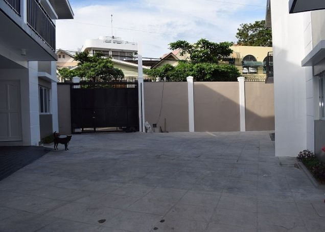 3 Bedrooms Unfurnished Brandnew Duplex House In Banawa - 8
