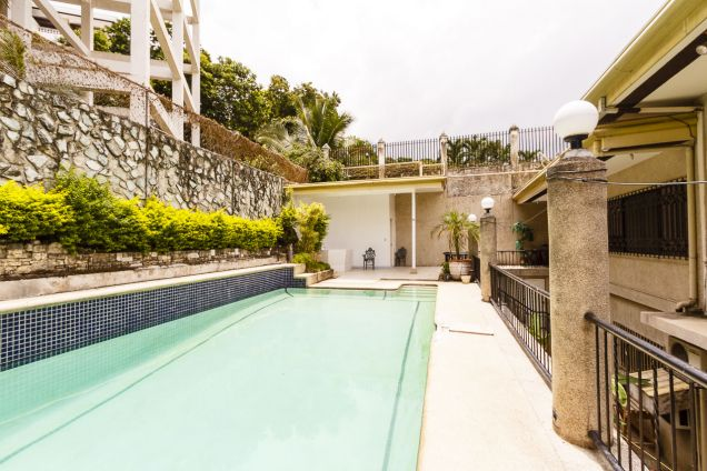 5 Bedroom House with Swimming Pool for Rent in Maria Luisa Park - 3