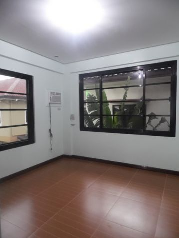 Modern 2 Storey House and lot for rent near SM Clark -@P50K - 5