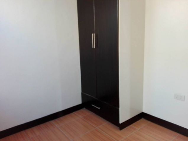 3 Bedroom unfurnished located in gated subdivision - 30K - 8
